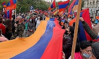 Thousands of Armenians marching in Madrid