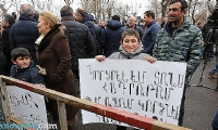 ​Robert Kocharyan`s supporters block major Yerevan avenue